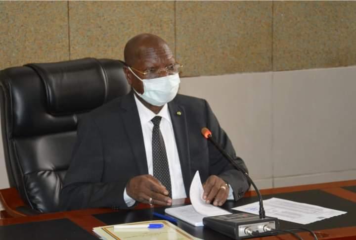 Kalzeubé Payimi  Debeut exige l'application stricte du décret