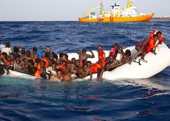 Immigration : plus de 2 000 migrants ont péri dans l'Atlantique en 2020