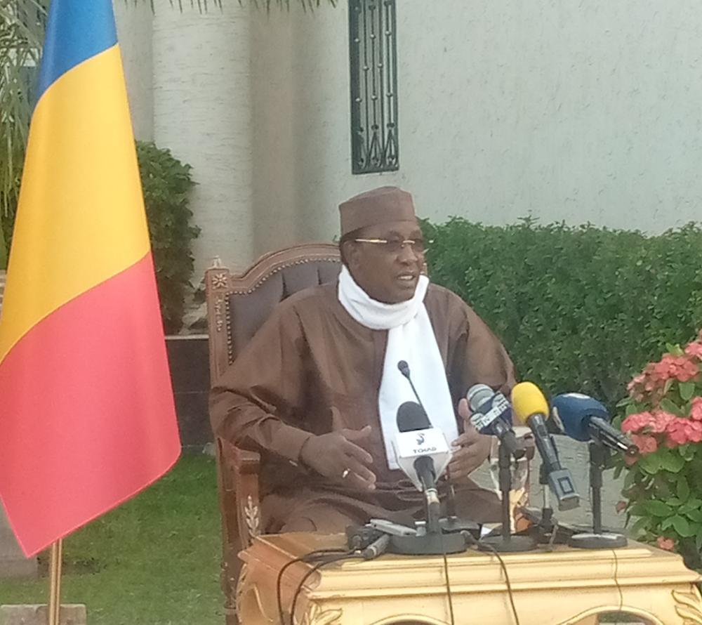 Idriss Deby a suspendu temporairement les activités de la commission chargée d'intégrer les 20.000 jeunes à la fonction publique
