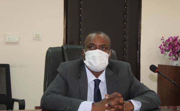 """Covid-19 : """"presque tous les quartiers de N'Djamena sont touchés"""", Pr Choua Ouchemi"""
