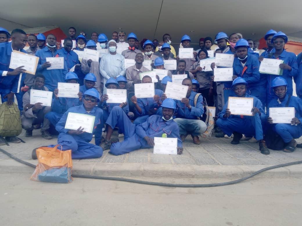 50 jeunes formés en menuiserie ont reçu leurs parchemins