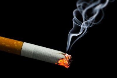 Consommation de la cigarette: les fumeurs continuent de polluer les espaces publics
